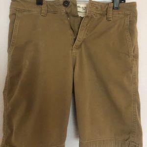 Abercrombie kids. Boy beige short. Size 15/16
